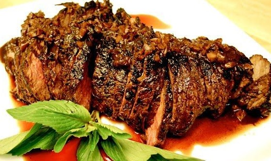 Beef Steak with Red Wine Vinegar BBQ Sauce
