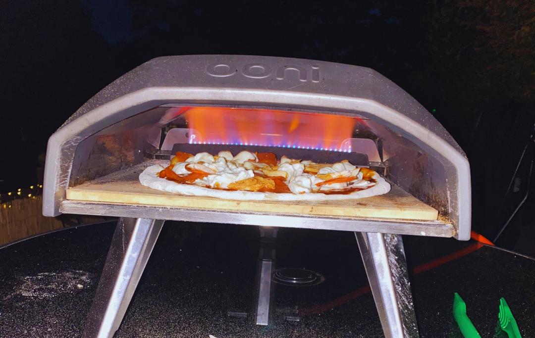 mozzarella pepperoni & tikka pizza